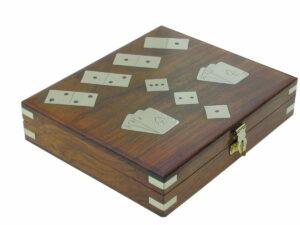 spielebox-mit-karten-domino-und-wuerfel